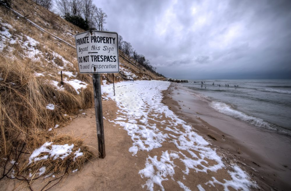 Some beachfront landowners in Maine will continue to restrict members of the public from the shoreline. (haglundc/Flickr)