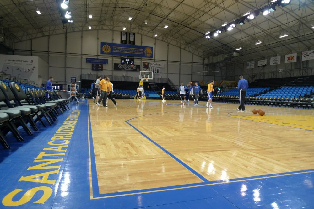 The Santa Cruz Warriors don't get many of the luxuries afforded NBA players. (Rowan Moore Gerety/Only A Game)