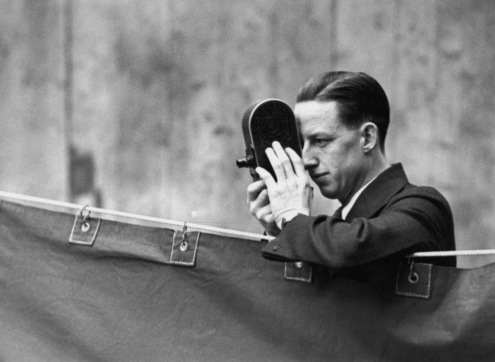 Jack Purcell, former Canadian badminton champion, films the All England Badminton Championship in 1931. Purcell had a recent Ottawa memorial mistakenly attributed to him. (Topical Press Agency/Hulton Archive/Getty Images)