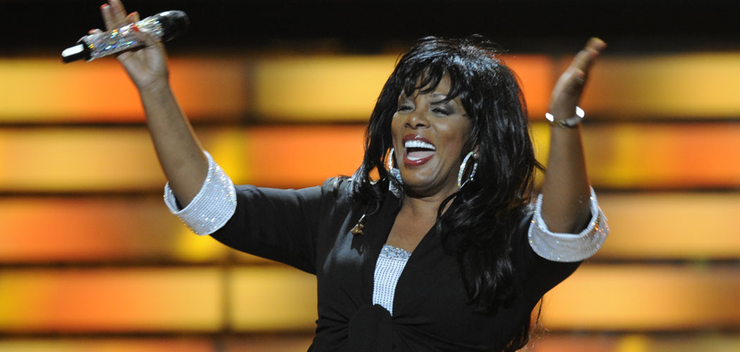 "Donna Summer performing as a special guest during the finale of ""American Idol"" in 2008. (AP Photo/Kevork Djansezian, File)"