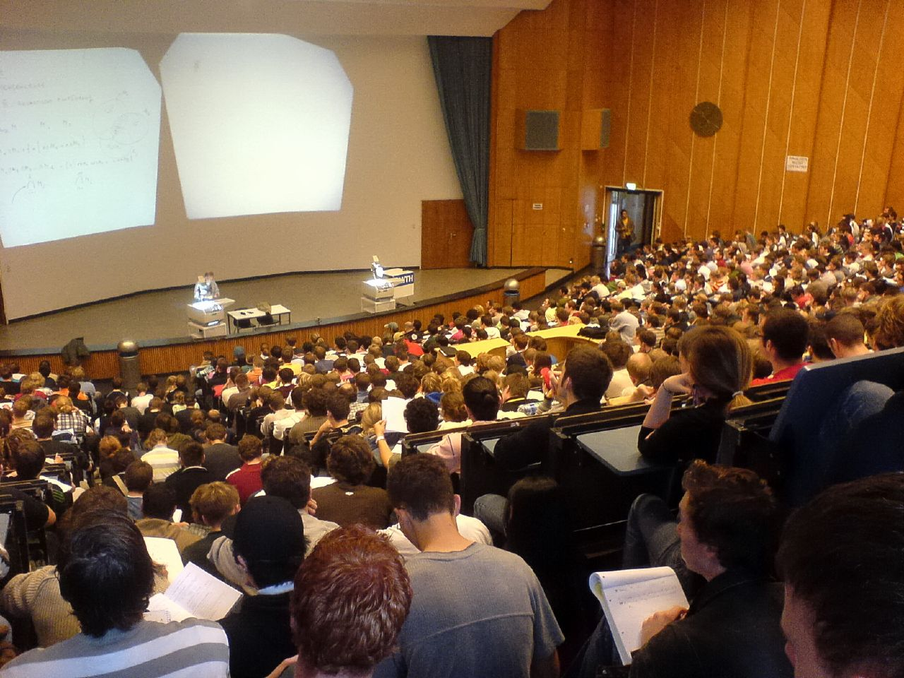 Crowded math course. (Thomas W/Flickr)