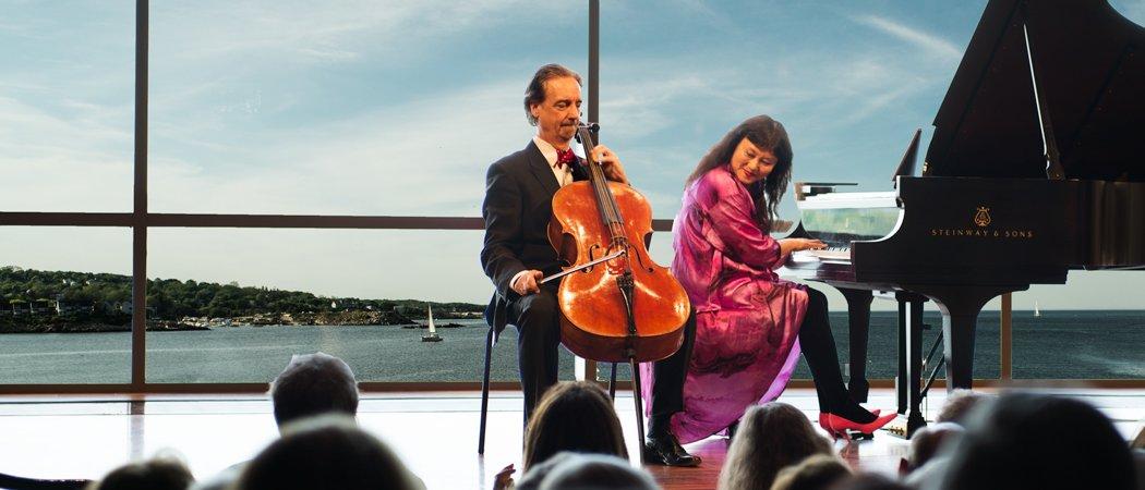 David Finckel and Wu Han at the Shalin Liu Performance Center Sunday. (John Waite)