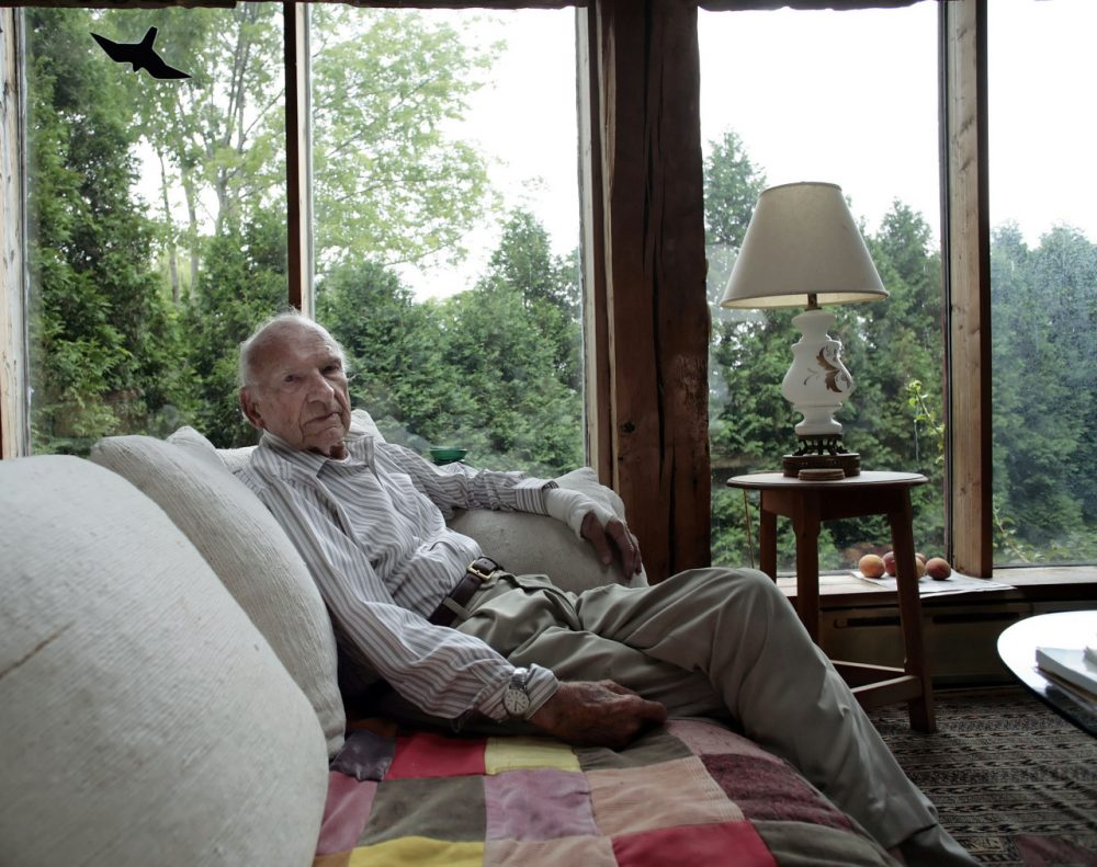 Historian James MacGregor Burns at his home in Williamstown, MA. Thursday, August 23, 2007. (AP)