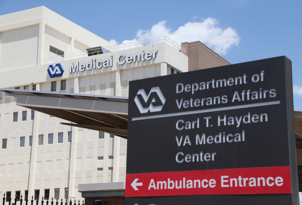 Exterior view of the Veterans Affairs Medical Center pictured on May 8, 2014 in Phoenix, Arizona,  (Christian Petersen/Getty Images)