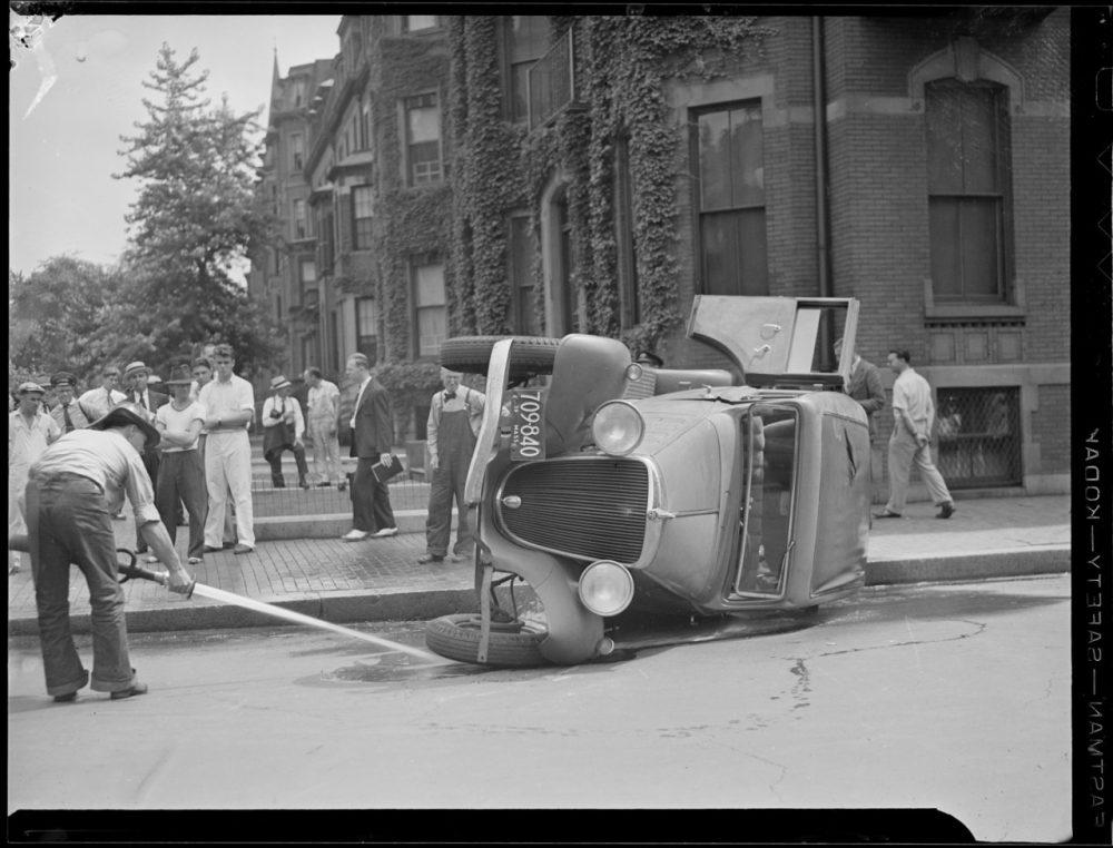 A 1934 car accident. (Courtesy Boston Public Library)