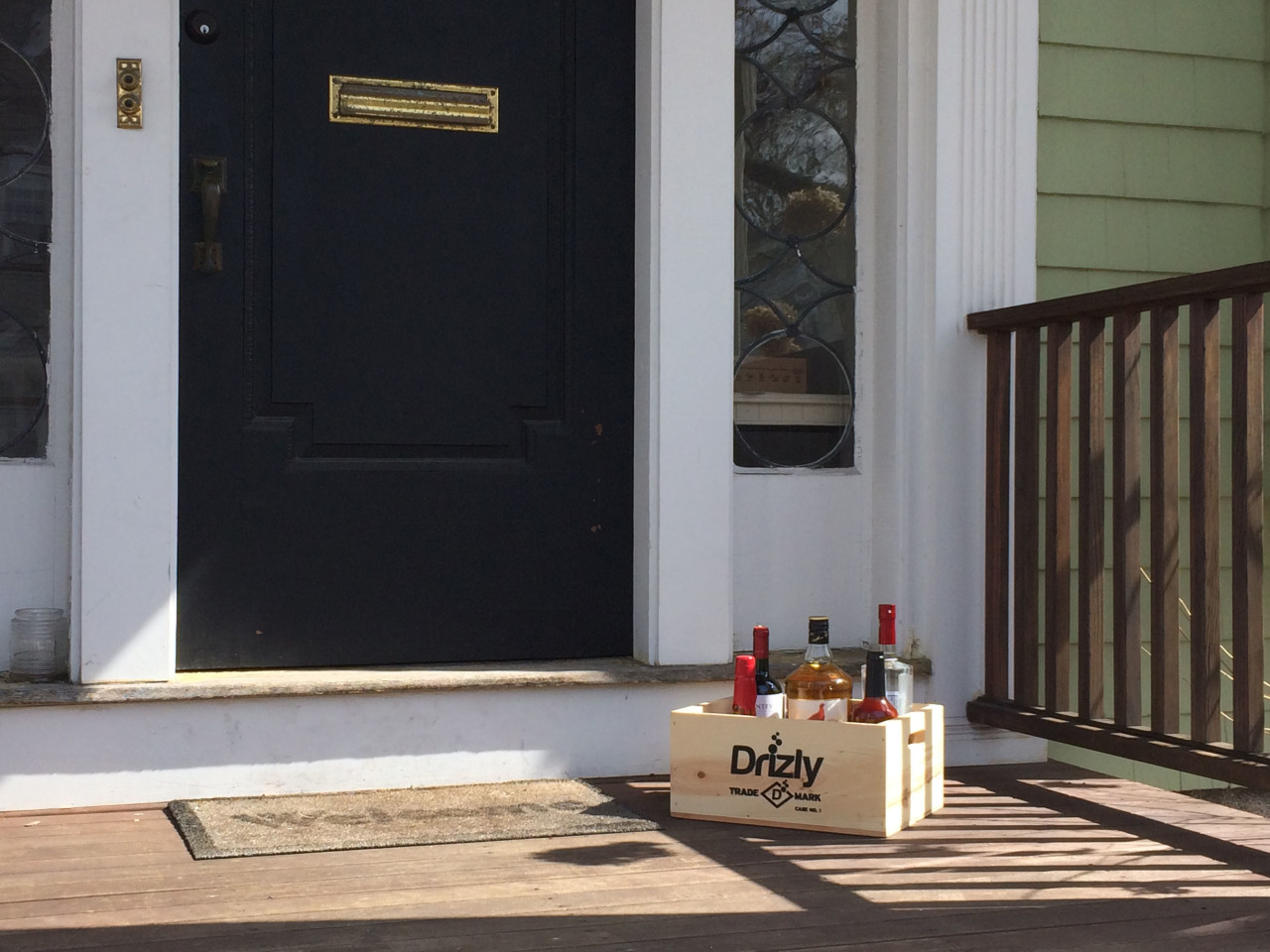 Drizly is a smartphone app for alcohol delivery.  The company is expanding into Chicago, in addition to its service in New York City and Boston. (Drizly/PRNewsFoto)