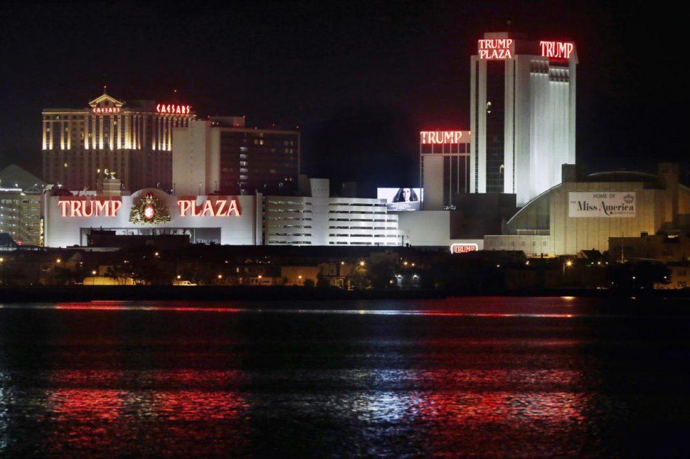 The Trump Plaza Hotel Casino closed its doors at 6 a.m. Tuesday. (Mel Evans/AP)