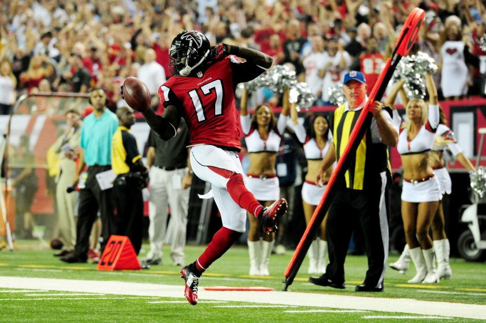 With this punt return TD on Thursday Night Football, Devin Hester set the NFL's all-time return TD record with 20. Atlanta blew out Tampa Bay 56-14. (