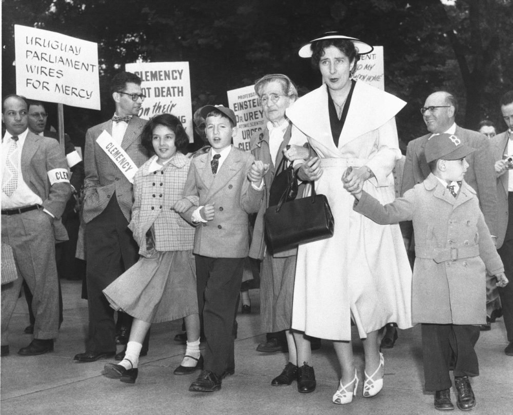 The two sons of condemned atom spies Julius and Ethel Rosenberg and Julius' mother join marchers in front of the White House during a demonstration by people seeking clemency for the Rosenbergs in 1953. (AP)