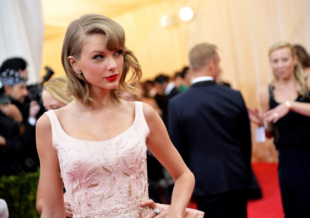 """Taylor Swift attends the """"Charles James: Beyond Fashion"""" Costume Institute Gala at the Metropolitan Museum of Art on May 5, 2014 in New York City. (Mike Coppola/AFP/Getty Images)"""