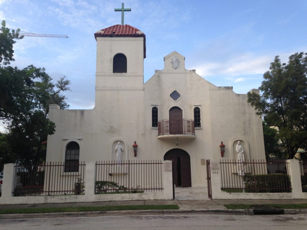 The Mission of Saints Francis and Clare holds traditional Latin mass every Sunday at 402 NE 29 St. in Miami. (Jessica Meszaros/WLRN)