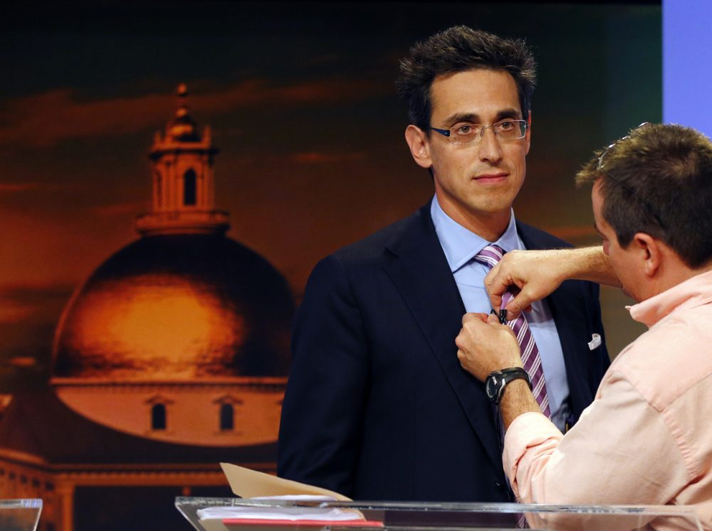 Independent Evan Falchuk prepares to participate in a gubernatorial debate last month. (Elise Amendola/AP)