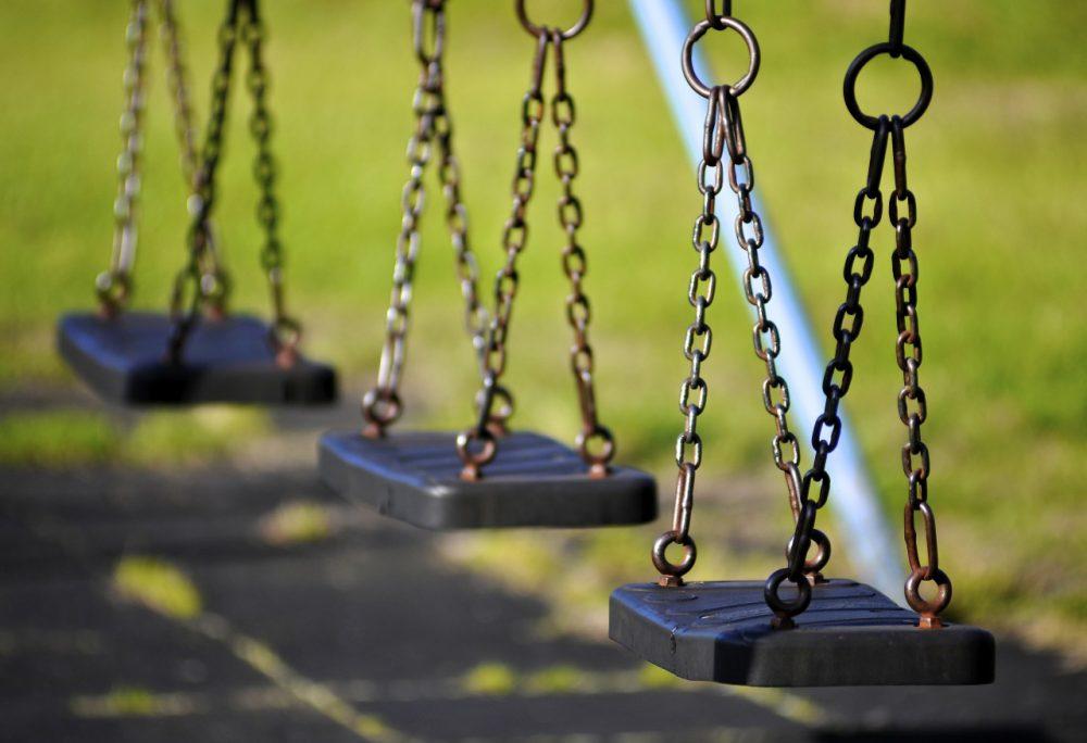 Empty swings (Stuart Herbert/Flickr)