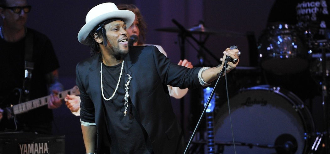 "D'Angelo performing at ""The Music of Prince"" at Carnegie Hall in 2013. (Evan Agostini/Invision/AP)"
