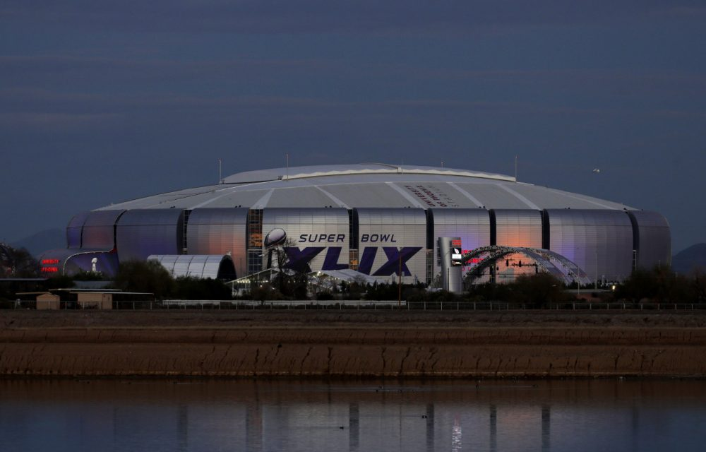 University of Phoenix Stadium, host of this Sunday's Super Bowl, was also the site of Super Bowl XLII in 2008. (Charlie Riedel/AP)