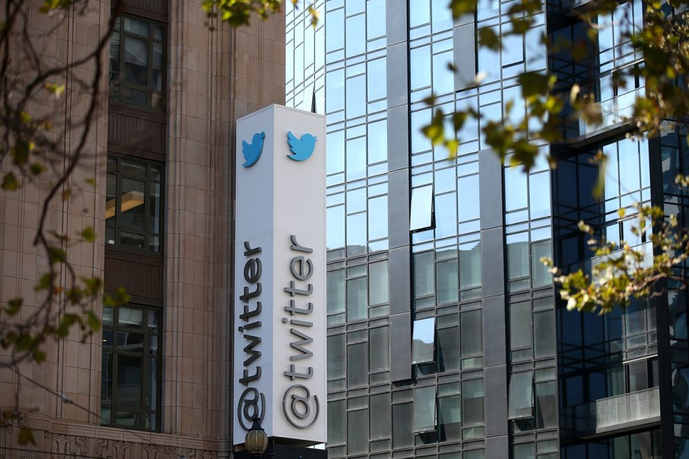A sign is posted outside of the Twitter headquarters on July 29, 2014 in San Francisco, California. (Justin Sullivan/Getty Images)