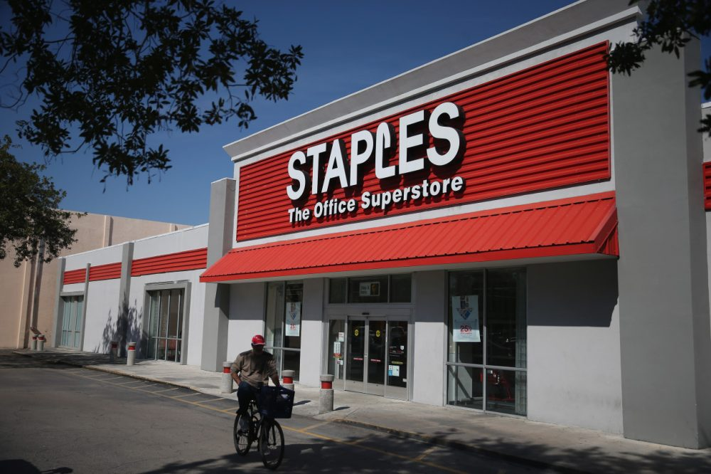 Staples and Office Depot have ended their planned $6 billion merger. (Joe Raedle/Getty Images)