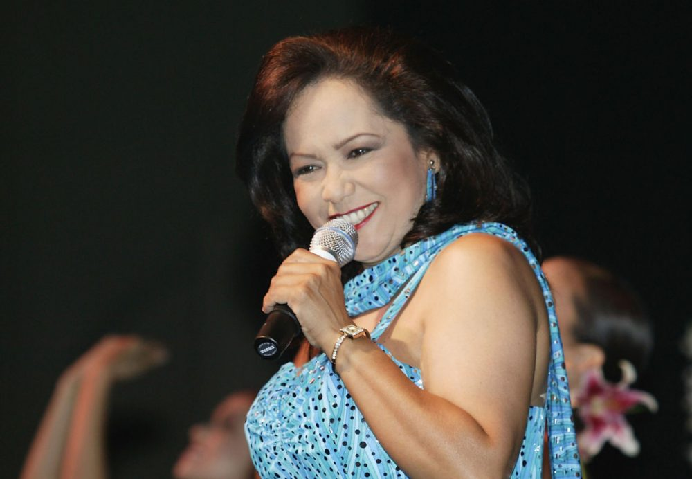 Hawaiian singer Nohelani Cypriano performs at the Neal Blaisdell Concert Hall, on June 8, 2004 in Honolulu, Hawaii. (Marco Garcia/Getty Images)