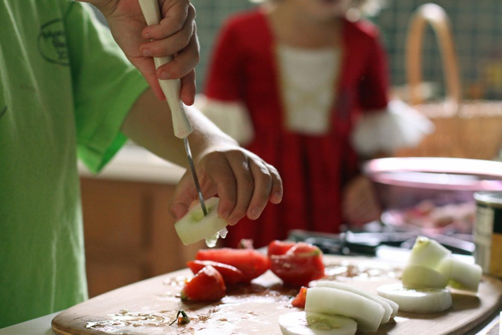Teaching kids how to cook with vegetables is a great way to help them learn how to eat a healthy diet. (Jessica Lucia/Flickr Creative Commons)