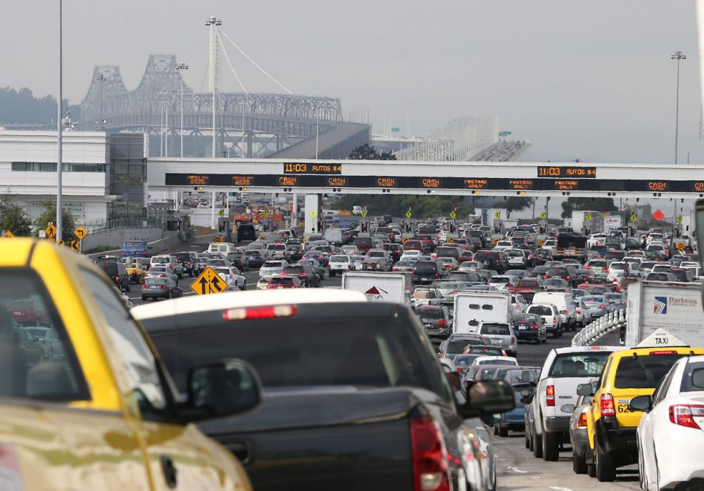 Traffic backs up on Interstate 80 at the San Francisco-Oakland Bay Bridge as the Bay Area Rapid Transit (BART) strike snarls the Monday morning commute on October 21, 2013 in Oakland, California. (Justin Sullivan/Getty Images)
