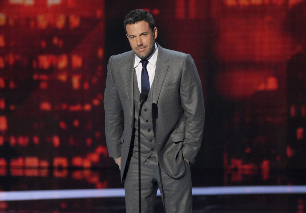 Ben Affleck accepts the favorite humanitarian award at the People's Choice Awards. (Chris Pizzello/Invision/AP)