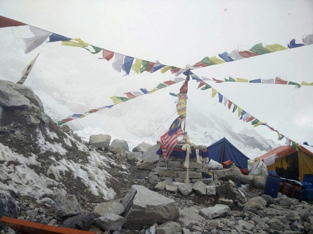 This photo provided by Azim Afif, shows the scene at Everest Base Camp, Nepal on Tuesday, April, 28, 2015. On Saturday, a large avalanche triggered by Nepal's massive earthquake slammed into a section of the Mount Everest mountaineering base camp, killing a number of people and left others unaccounted for. Afif and his team of four others from the Universiti Teknologi Malaysia (UTM) all survived the avalanche. (Azim Afif via AP)