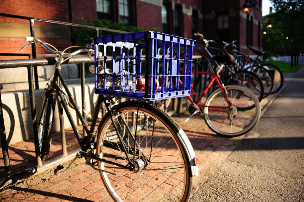 Is there a better way to keep bikers safe? (Mith Huang/Flickr)