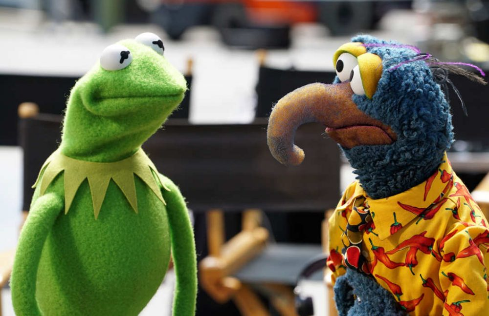 "Kermit the Frog speaks to Gonzo the Great in a scene from ABC's ""The Muppets."" (Eric McCandless/ABC)"