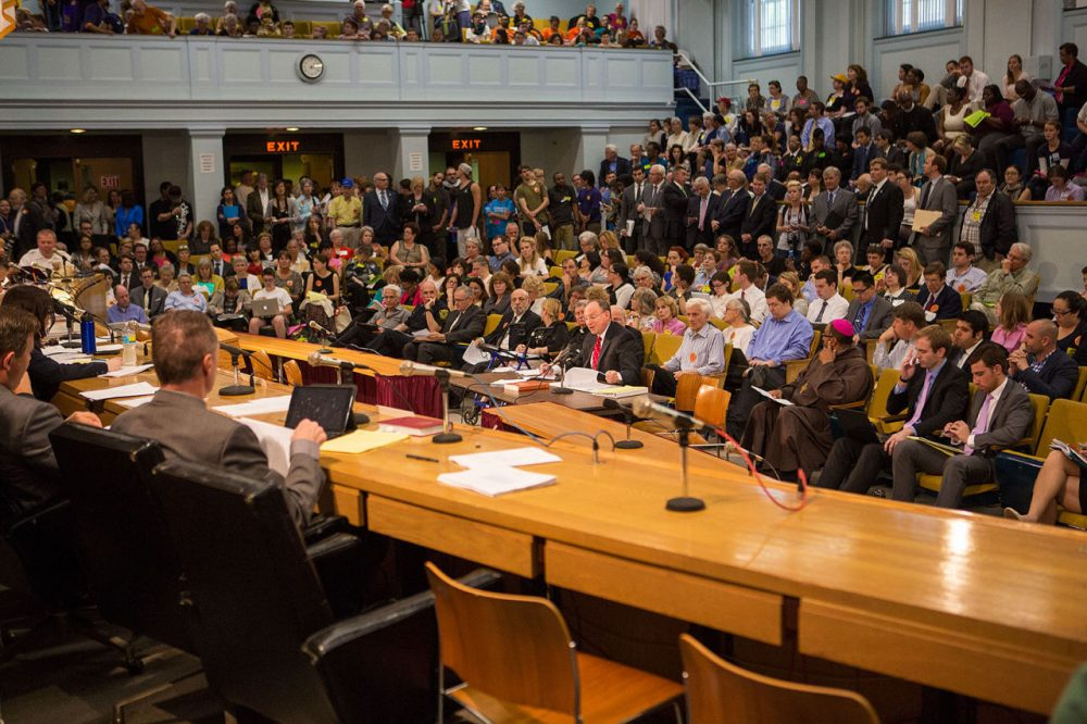 Chief Justice Ralph Gants testified Tuesday at a packed Judiciary Committee hearing on sentencing reform. (Jesse Costa/WBUR)