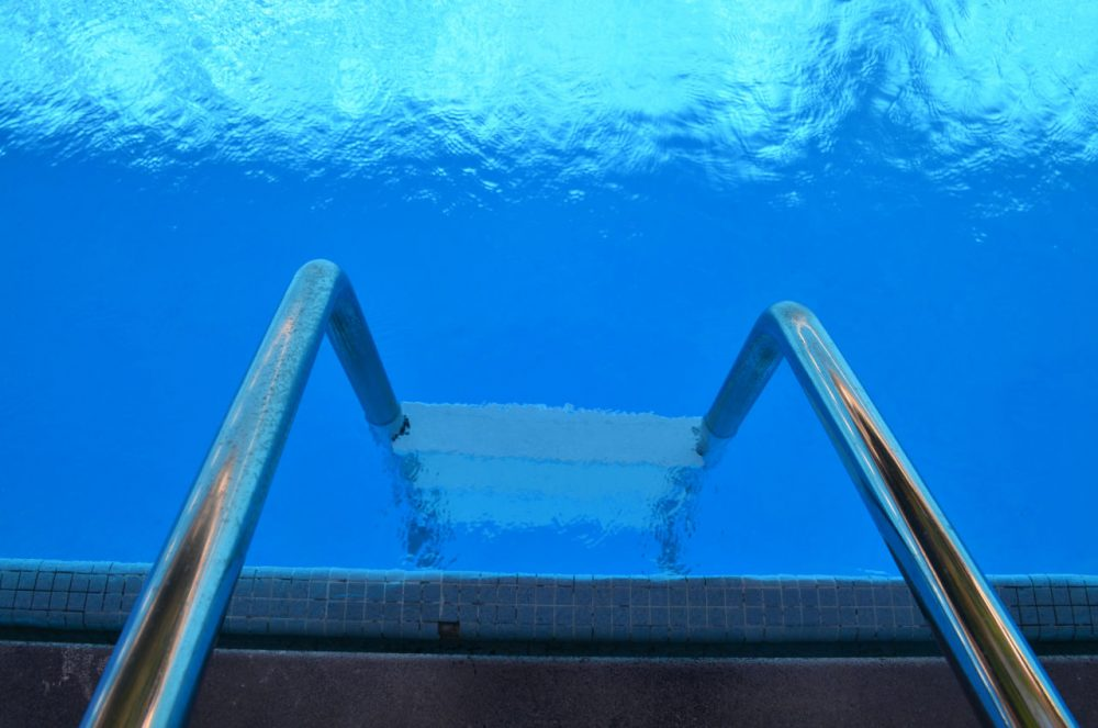 Swimming pool (catsypline/Flickr)