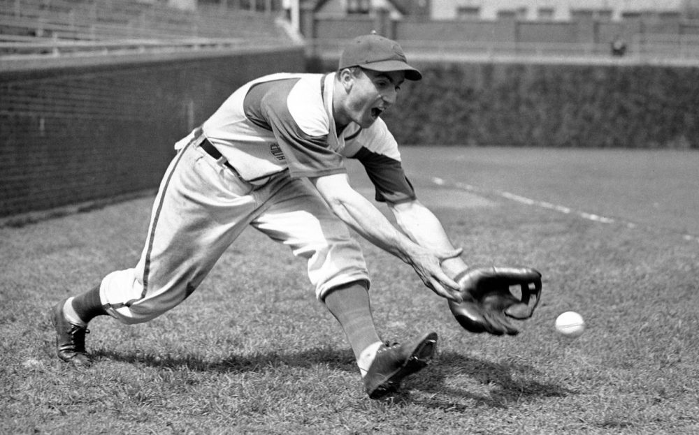 Lennie Merullo was the last living person to play for the Chicago Cubs in the World Series. He died on Saturday at 98. (Paul Cannon/AP Images)