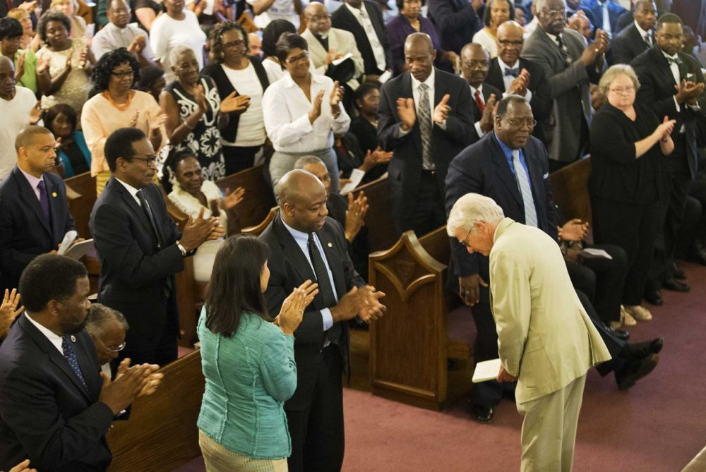 Charleston Mayor Joseph Riley bows after speaking during a memorial service at Morris Brown AME Church for the victims. (David Goldman/AP)