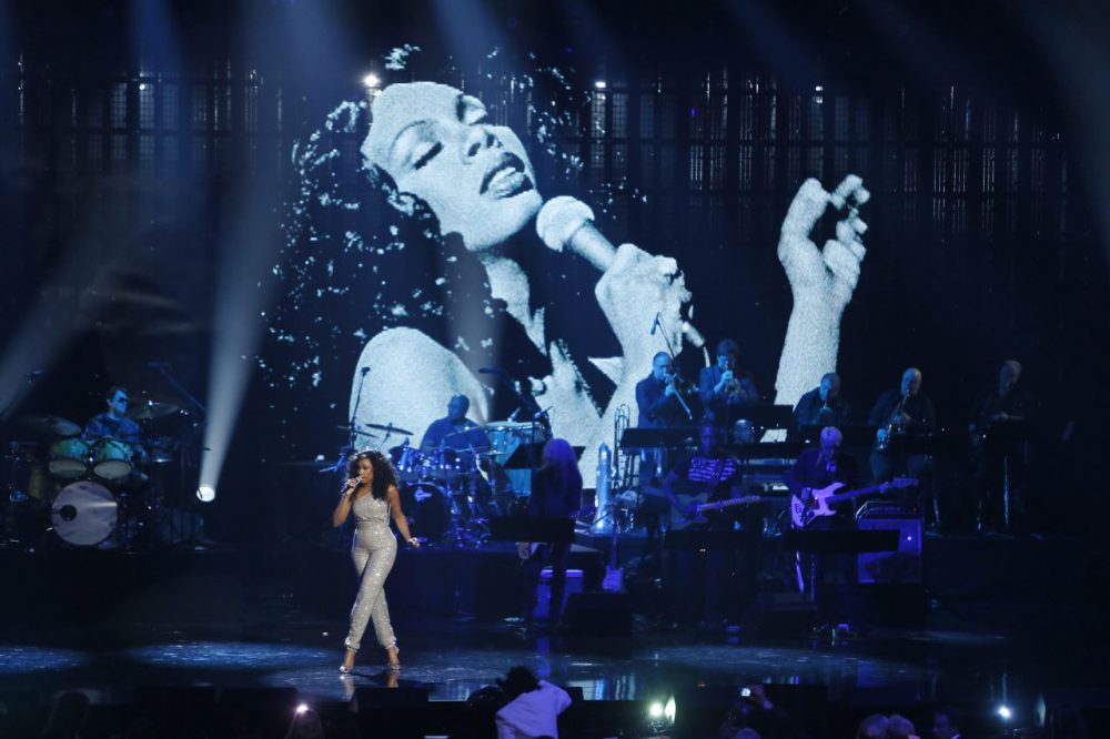 Jennifer Hudson performs in tribute as Donna Summer is posthumously inducted into the Rock and Roll Hall of Fame during the 2013 Rock and Roll Hall of Fame Induction Ceremony in Los Angeles. (Danny Moloshok/Invision/AP)