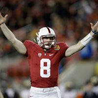 After he began using the virtual reality head set late last season, Stanford quarterback Kevin Hogan upped his completion percentage from 64 to 76 percent. (Ezra Shaw/Getty Images)