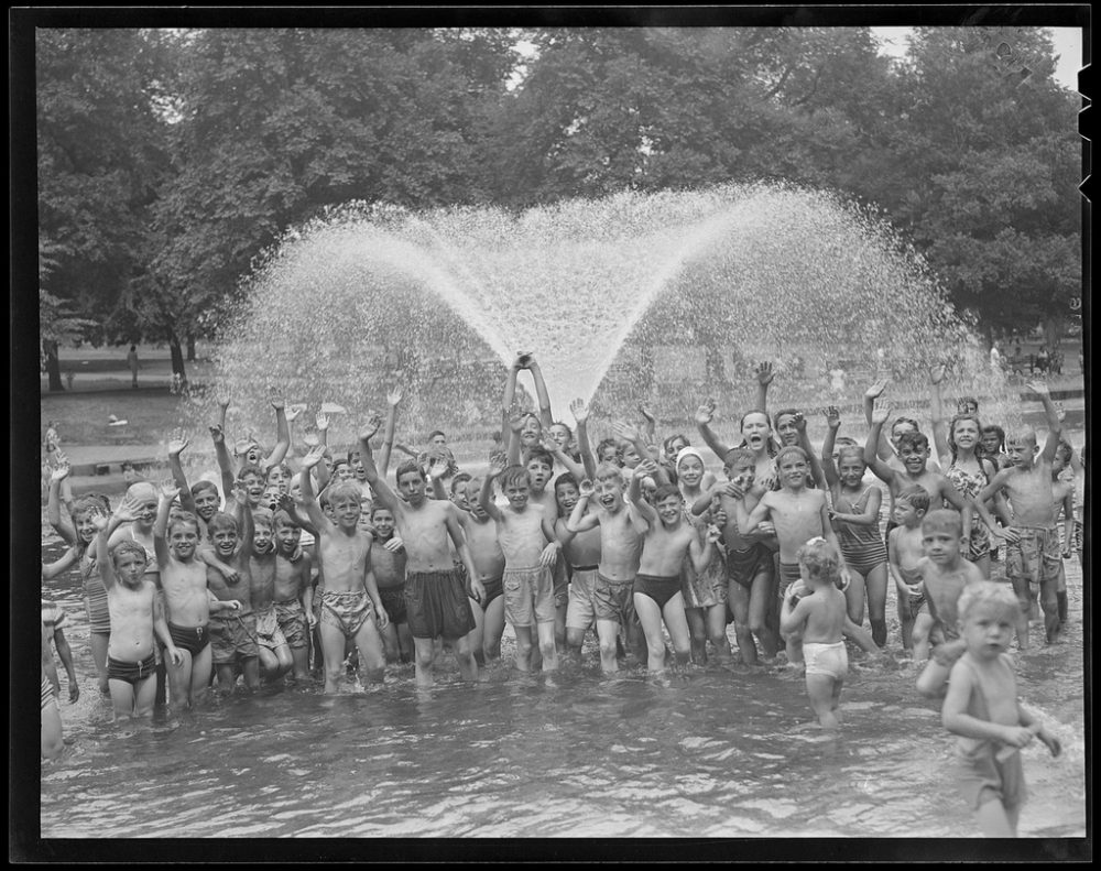 Boys and girls in Boston Common fountain, 1934-1956 (Courtesy of the Boston Public Library, Leslie Jones Collection.)