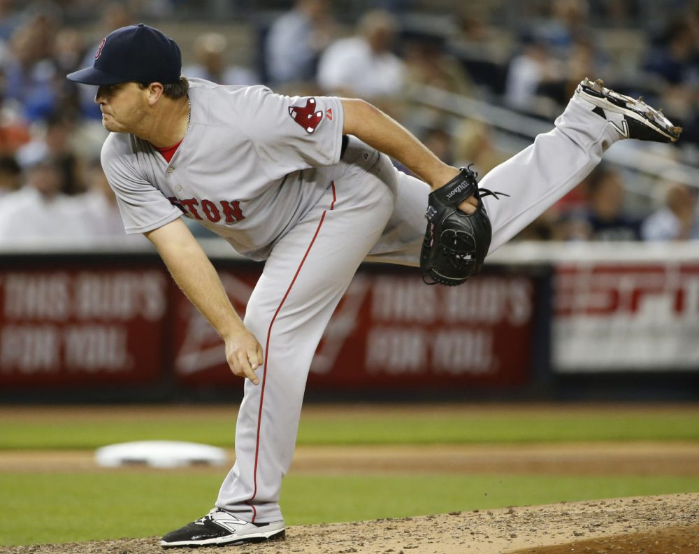 Red Sox relief pitcher Steven Wright delivers in a game against the New York Yankees at Yankee Stadium in New York, Wednesday, Aug. 5, 2015.  (Kathy Willens/AP)