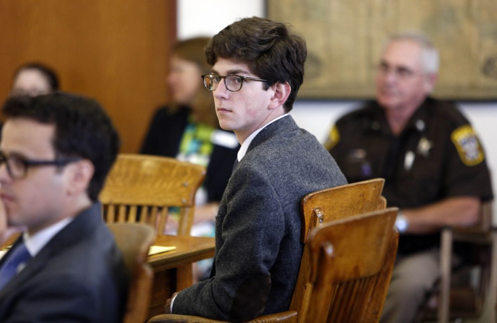 Owen Labrie looks around the courtroom during his trial, in Merrimack County Superior Court, Tuesday, Aug. 18, 2015, in Concord, N.H. (Jim Cole/AP)
