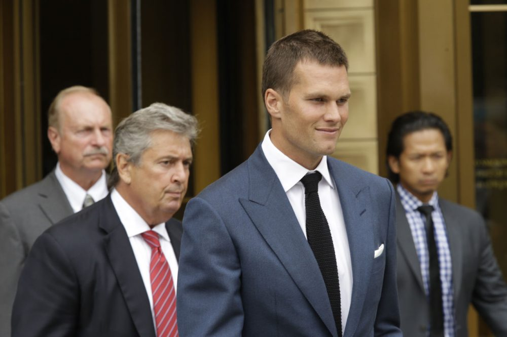 """New England Patriots quarterback Tom Brady leaves Federal court, Monday, Aug. 31, 2015, in New York. Last-minute settlement talks between lawyers for NFL Commissioner Roger Goodell and New England Patriots quarterback Tom Brady have failed, leaving a judge to decide the fate of """"Deflategate."""" (AP Photo/Mary Altaffer)"""