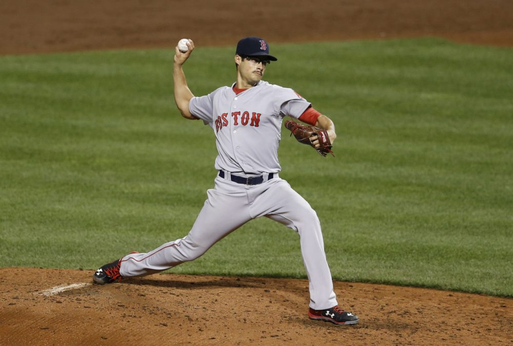 Red Sox starting pitcher Joe Kelly throws to the Orioles, Tuesday, Sept. 15, 2015, in Baltimore. (Patrick Semansky/AP)