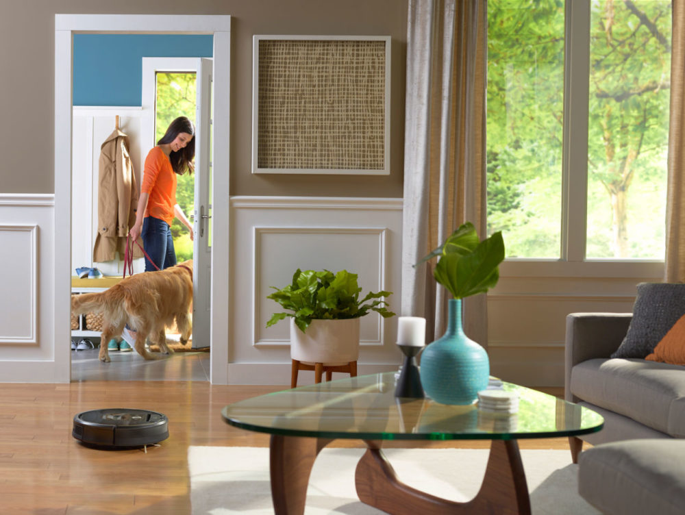 A promotional photo of the Roomba 980 model. (Courtesy iRobot)