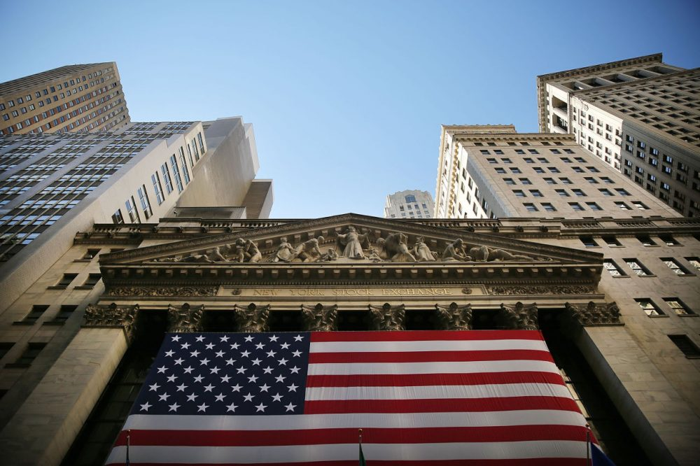 Dow soars over 250 points ahead of federal interest rate announcement. (Spencer Platt/Getty Images)