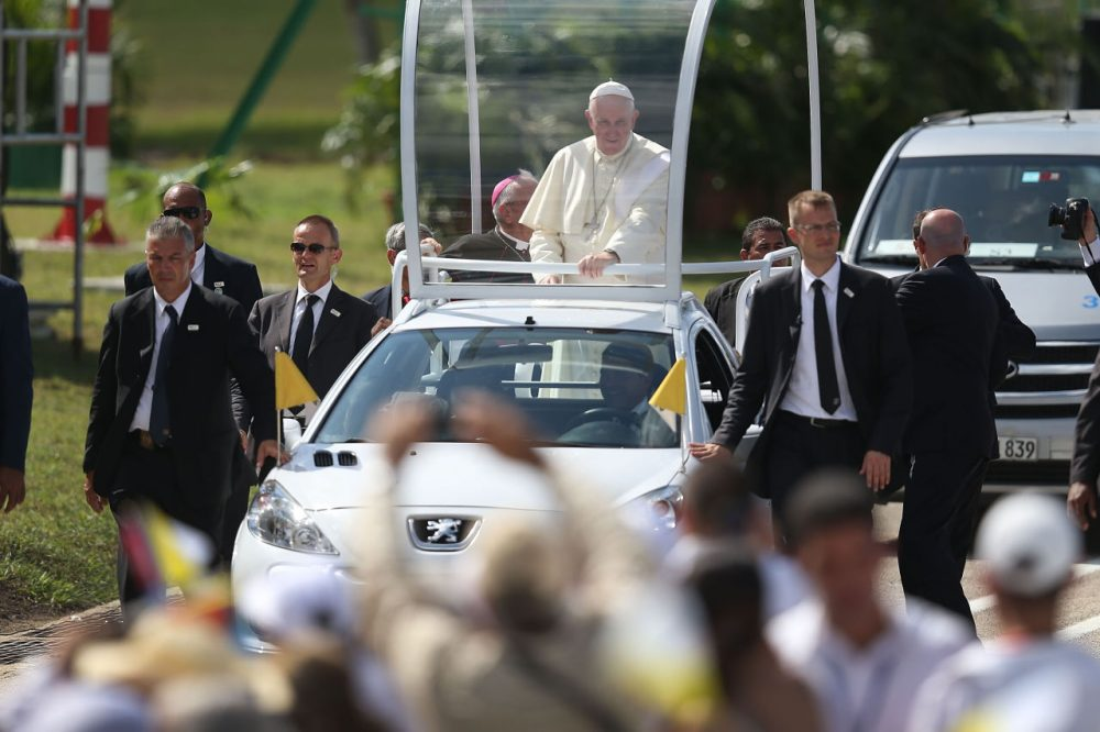 Pope Francis arrives in the Plaza de la Revolution to hold a Mass in the square on Sept. 21, 2015 in Holguin, Cuba. (Joe Raedle/Getty Images)