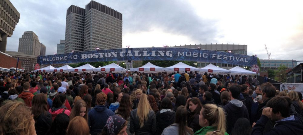 Attendees line up for the May 2014 Boston Calling at City Hall Plaza. (Stephanie Rogers/Flickr)