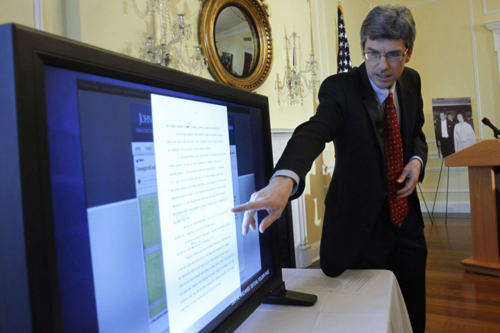 Thomas Putnam, who just announced his resignation as director of the John F. Kennedy Presidential Library, demonstrates the JFK Digital Archive on Jan. 13, 2011. (Jacquelyn Martin/AP)