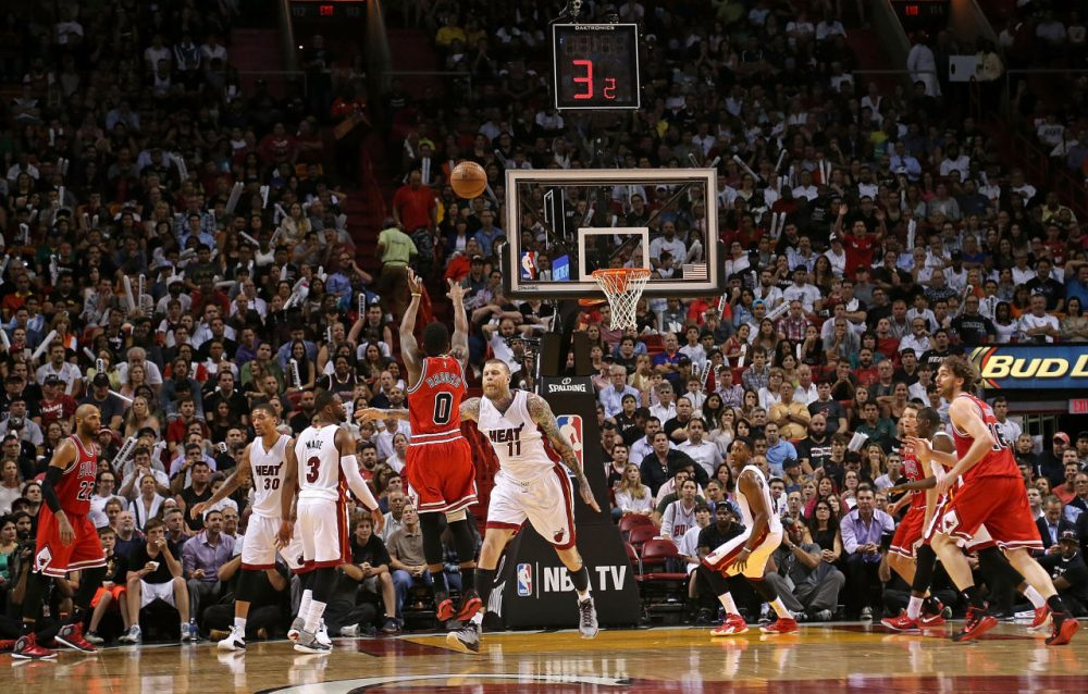 Does streak shooting exist in basketball? Or is just an illusion? A new paper revives an old debate. (Mike Ehrmann/Getty Images)
