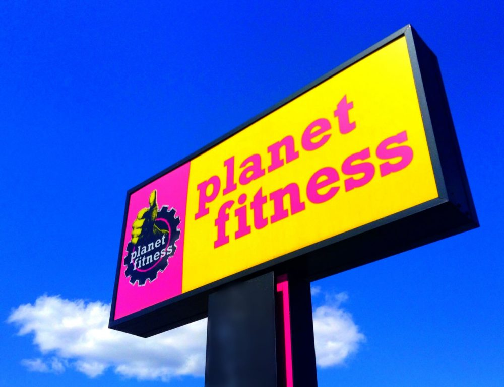 Planet Fitness sign outside one of its 1000 locations. (Mike Mozart/Flickr)