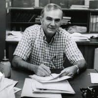Boston jazz critic Ernie Santosuosso in 1973. (Courtesy Boston Globe/Ed Farrand)
