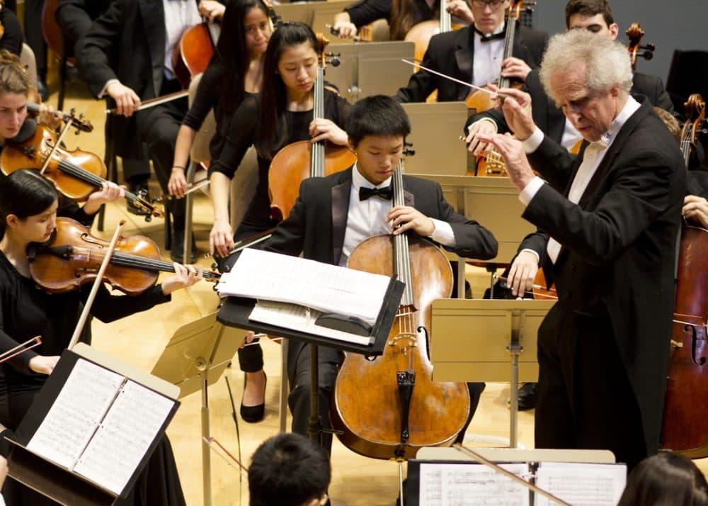 Ben Zander conducts the Boston Philharmonic Youth Orchestra. (Courtesy BPYO)