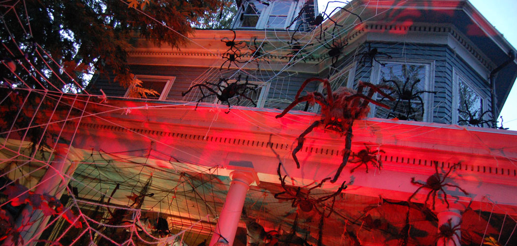 Where To Find The Creepiest Halloween Decorations Around ...