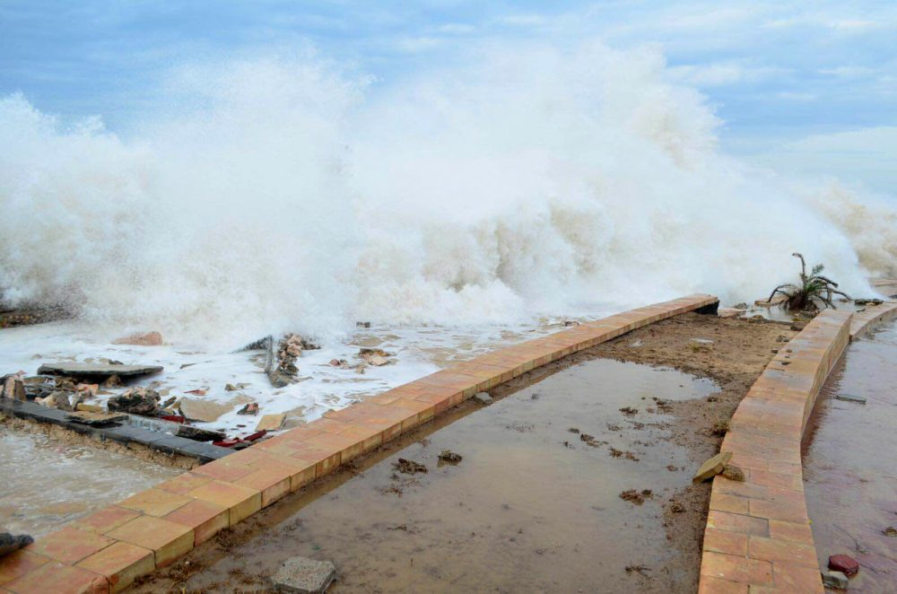 Tropical Cyclone Chapala batters Mukalla, Yemen, on Monday, Nov. 2, 2015.  The day before, the rare and rapidly intensifying cyclone killed one person and injured nine Sunday on the remote Yemeni island of Socotra as it moved toward the Yemeni mainland, local security officials said. (Mohammed Bazahier/ AP Photo)